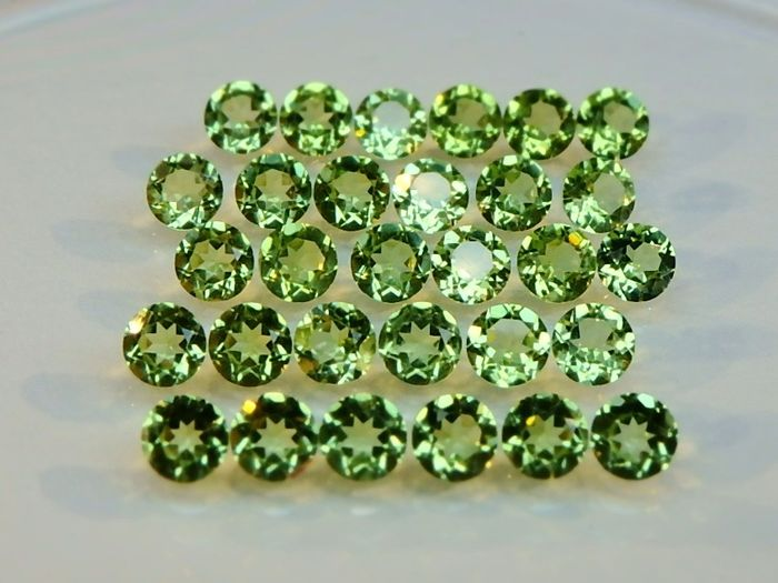 30 pcs Green Peridot   - 5.49 ct