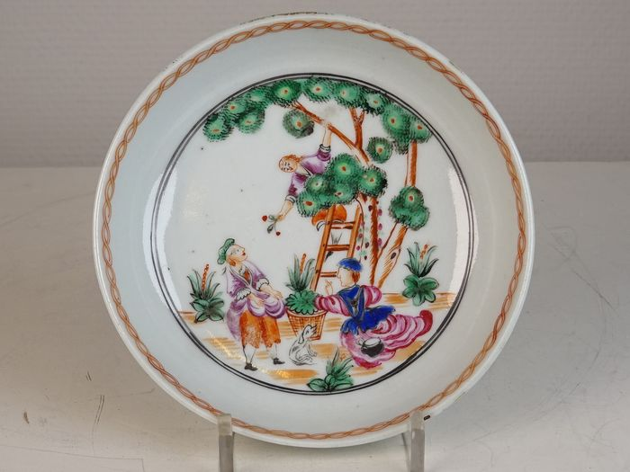 Small plate  - Porcelain - Cherry Pickers (Pierre-Antoine Badouin)  - China - middle of the 18th century