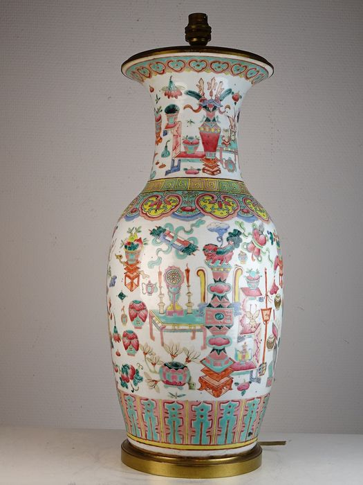 Vase mounted in lamp - Porcelain - Precious objects - China - Guangxu (1875-1908)
