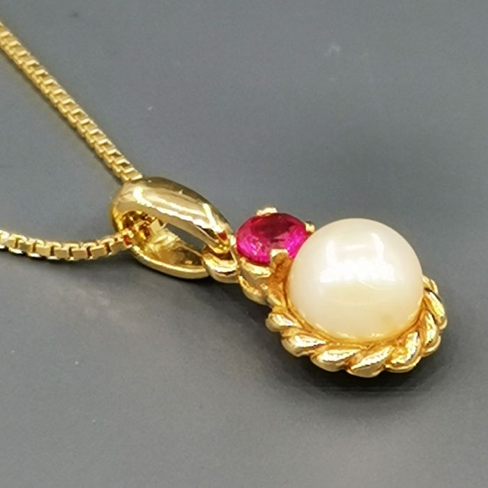 18 kt. Yellow gold - Necklace with pendant - 0.33 ct Ruby