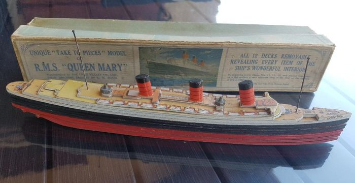 "QUEEN MARY - RMS boat model ""the Queen Mary I"" "" - Wood"