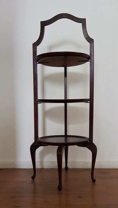 Beautiful mahogany etagère with three floors.