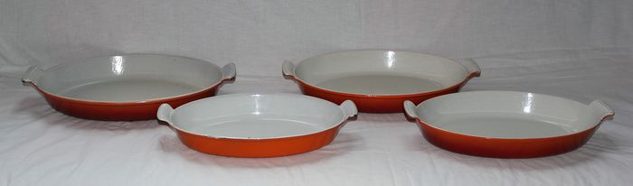 Oven dishes (4) - enamel, cast iron