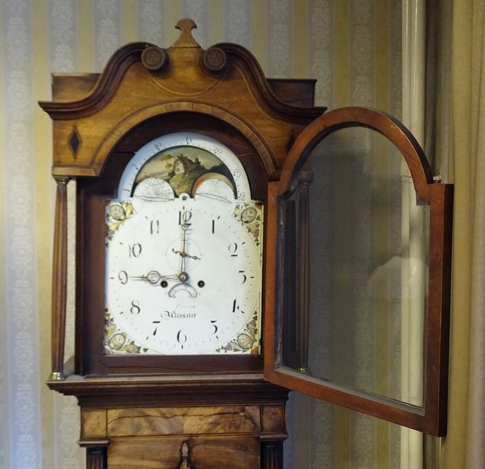 Long Case Clock - W Evans, Uttoxeter - Wood, Mahogany - First half 19th century