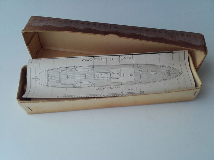 J.Staalenburg - shipbuilding model (1) - wood and paper.