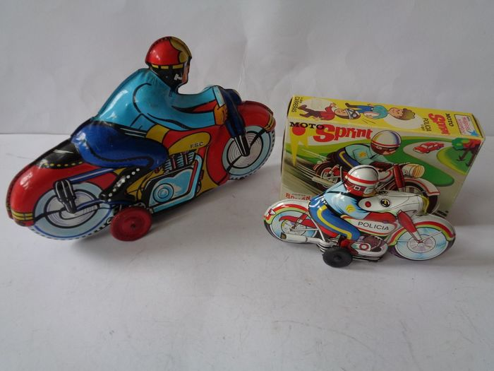 Roman and F.S.C. - Vintage - Motorcycle Moto Sprint Policia V-201 and FSC Motorbike - 1970-1979 - Spain