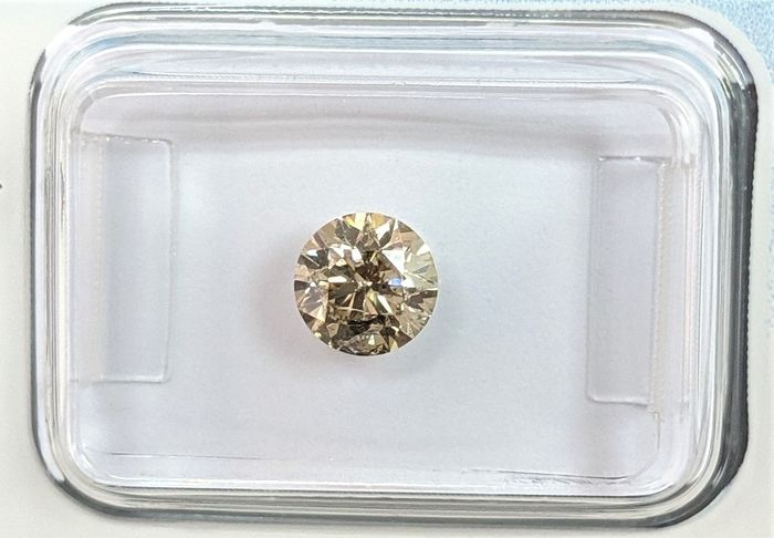 Diamante - 0.74 ct - Brillante - Brown - I2, IGI Antwerp - No Reserve Price