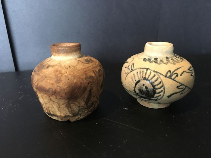 Swatow jars (2) - Earthenware - South Asia - 16th century