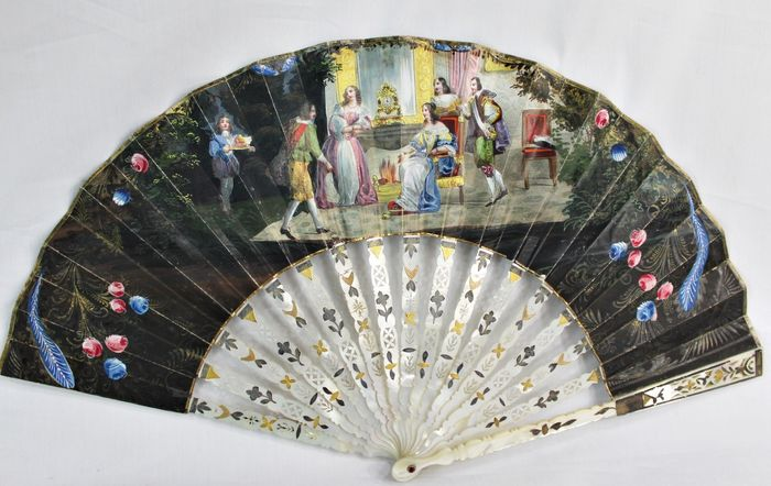 Continental folding fan - Pierced mother of pearl, overpainted lithographed paper leaf on both faces - 19th century