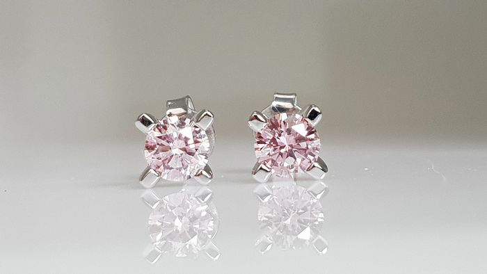 14 kt. White gold - Earrings - Colour Treated 0.60 ct Diamond