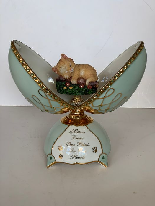 Faberge style by Ardleigh Eliott  - Music Egg 'Kittens leave Paw Prints on Our Heart', playing 'All I have is do dream - Heirloom porcelain, 22K Gold plated, Crystals, with paper