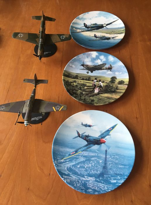 Roy Huxley - Royal Doulton - Plates, Limited edition reproduction of original work by Michael Turner and two model planes - Porcelain