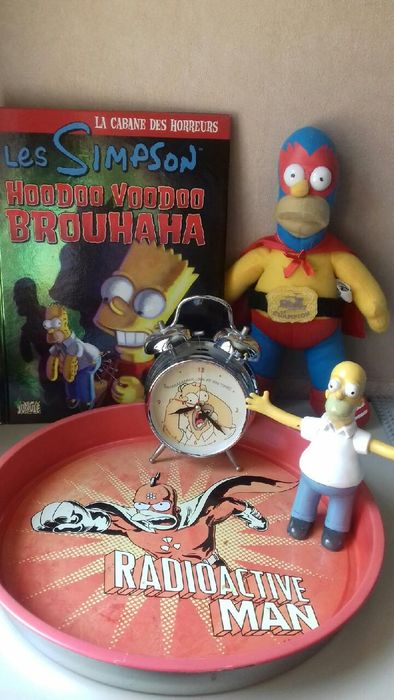 The Simpsons - Set of 5 Items: figurines and objects - see photos