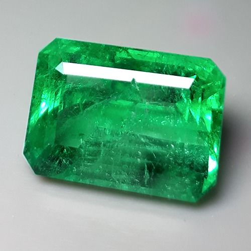 Vivid Green Emerald - 9.86 ct