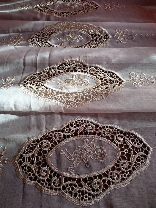 "Magnificent pair of curtains ""Angels"" embroidered voile - 290 x 140 cm   (2) - Cotton blend voile. - 1960"