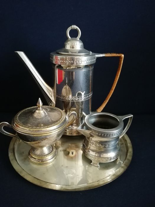 Beautiful silver plated 4 piece coffee set on tray (4) - Silverplate
