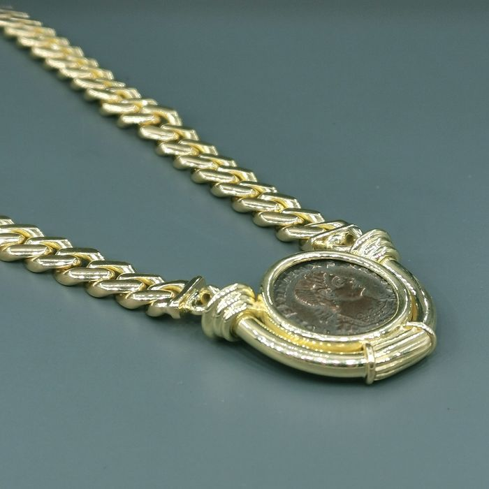 18 kt. Yellow gold, Roman currency - Necklace - Emerald