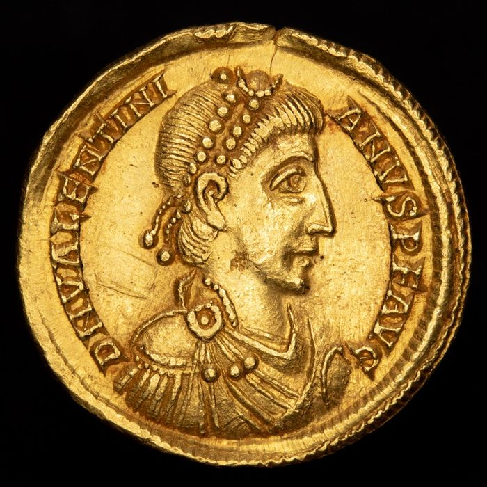 Roman Empire - AV Solidus, Valentinianus II (375-392 AD). Lugdunum, 388-392 AD. Theodosius & Valentinian on throne. R3 in RIC - Gold