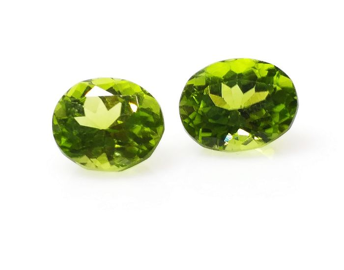 Green Peridot Pair - 4.58 ct