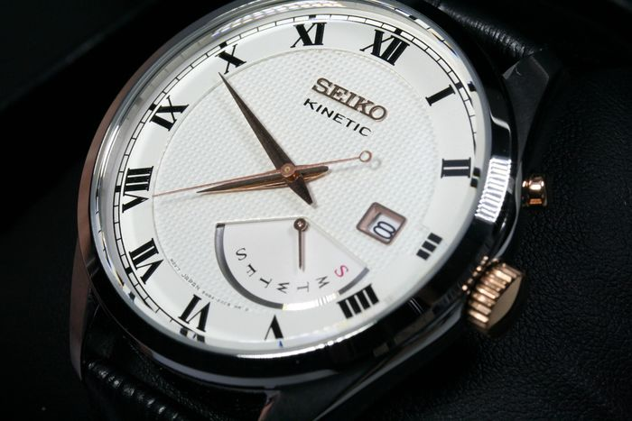 Seiko - Kinetic day edition - New - Hombre - 2011 - actualidad