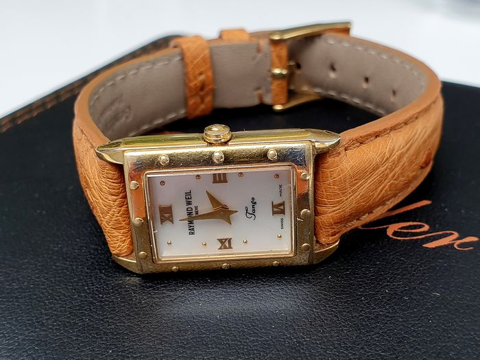 Raymond Weil - Lady tango gold plated shell dial and new hand made real ostrich strap - Femme - 2011-aujourd'hui