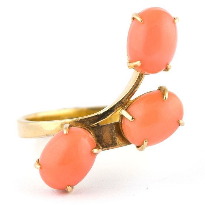 Antique Red Coral Trilogy - 14 kt. Yellow gold - Ring