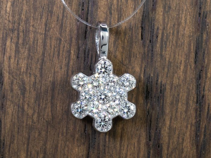 Jacob & Co - 14 kt. Gold - 1.04 carat - diamond Snow Flake pendant