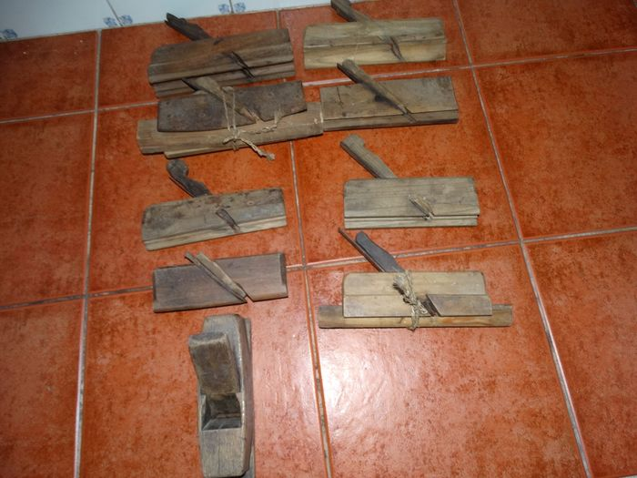 planner carpenter (9) - wood and iron