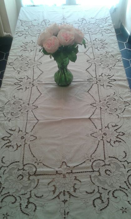 Hand Embroidered Tablecloth (1) - Romantic - Cotton