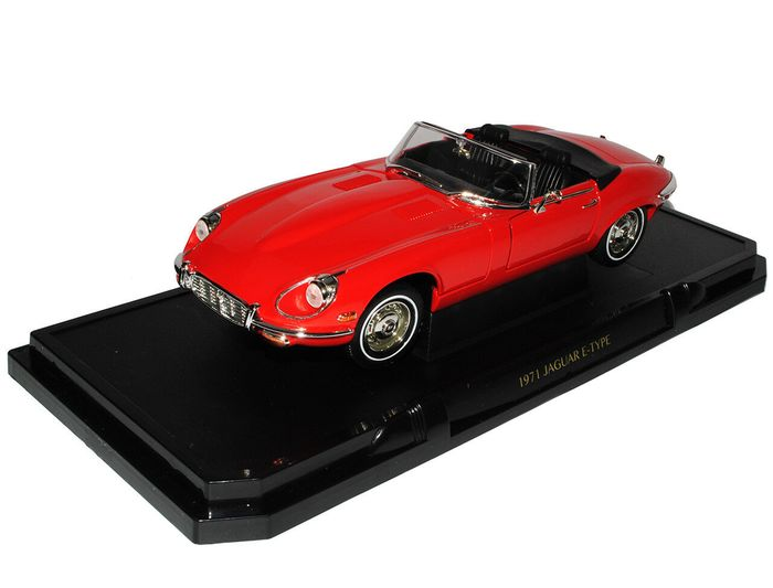 Road Signature - 1:18 - Jaguar E-Type 1971