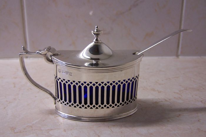 Mustard pot with spoon - .925 silver - E.J. Haseler & C. Bill - Chester - 1921