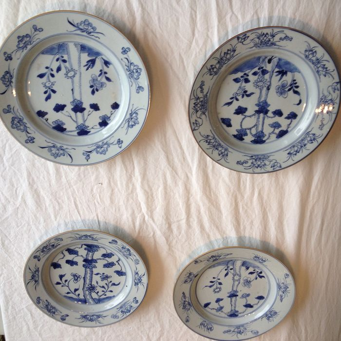 chinese porcelain plates (4) - Porcelain - China - 18th century