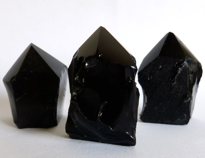 Mexican obsidian tips - from 5.9 to 6.8 cm - 428 g - (3)