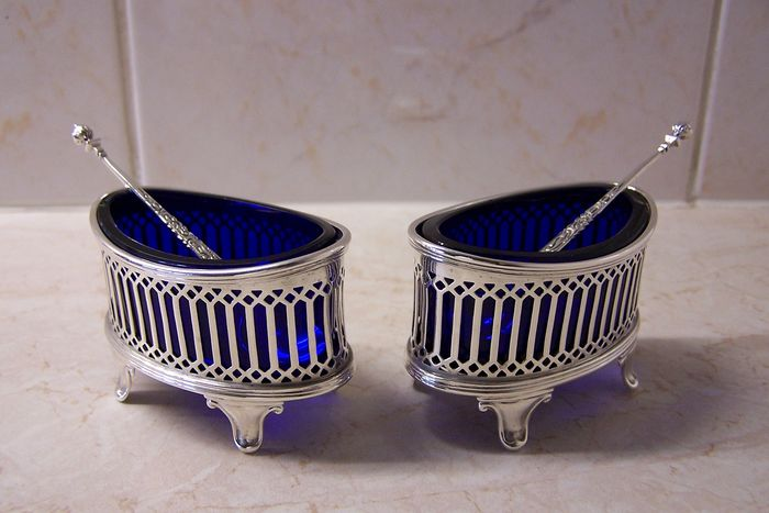 Salt barrels with spoons - .925 silver - E.J. Haseler & C. Bill - Chester - 1922