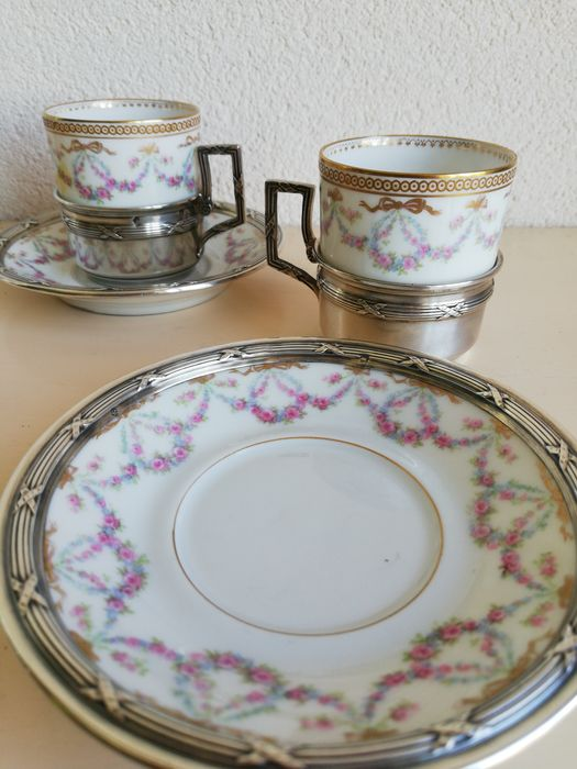 Set of Limoges cups and saucers in silver fixtures (Pied de deux) - France