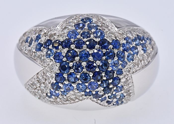18 kt. White gold - Ring - 3.84 ct Sapphire - Diamonds