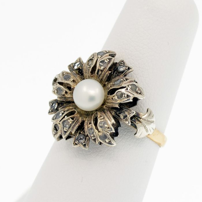 18 kt. Saltwater pearls, Silver, Yellow gold - Ring - 0.40 ct Diamond
