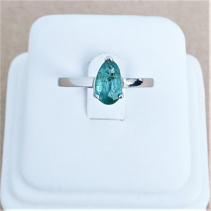 18 quilates Oro blanco - Anillo - 1.01 ct Esmeralda
