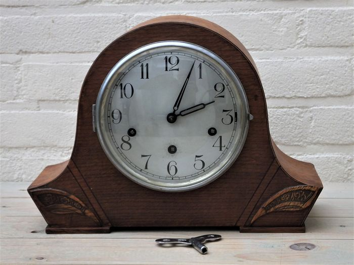 Foreign Haller Westminster table clock in a beautiful condition. (No reseve price) - Wood, Oak - mid 20th century