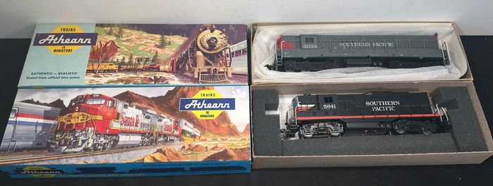 Athearn H0 - 3162, 04307 - Diesel locomotive - GP-9 Black Widow, H24 - Southern Pacific