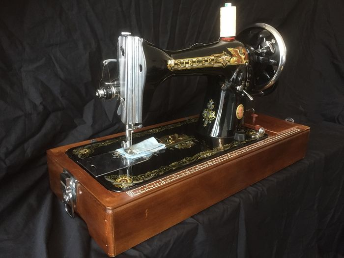 Singer - Sewing machine with dust cover, second half 20th