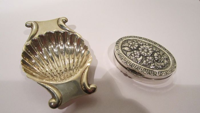 Djokja Silver Peppermint box and Sterling silver tea strainer Mexico (2) - .800 silver
