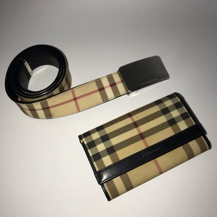 Burberry belt and purse