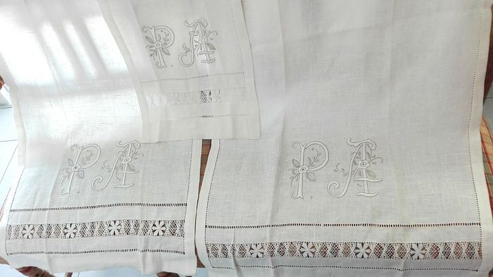 Fabulous set-bathroom towels in pure linen with manual embroidery (3) - Linen 100%