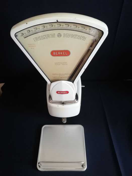 Vintage BERKEL scales from the sixties (1) - cast iron - enamel