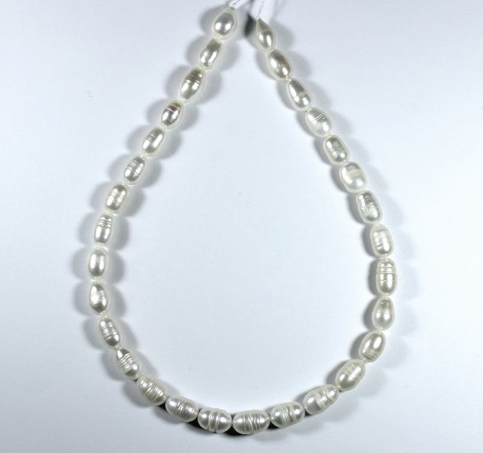 30 pcs  White Freshwater Pearls strand - 152.00 ct