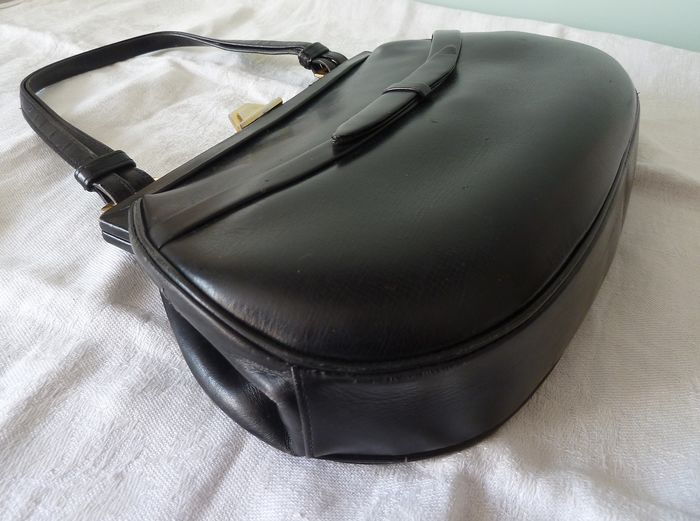 very pretty Art Deco leather bag (1) - leather
