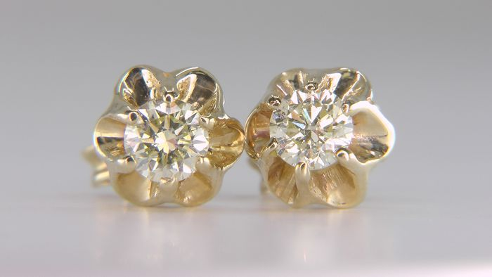 14 kt. Yellow gold - Earrings - Clarity enhanced 0.67 ct Diamond