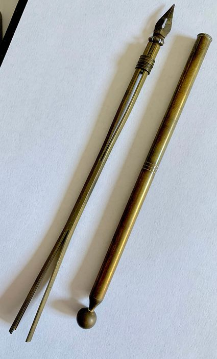 Elettra, Ursus, Lyra - Pen with nib and 3 ink pens - Group of 200