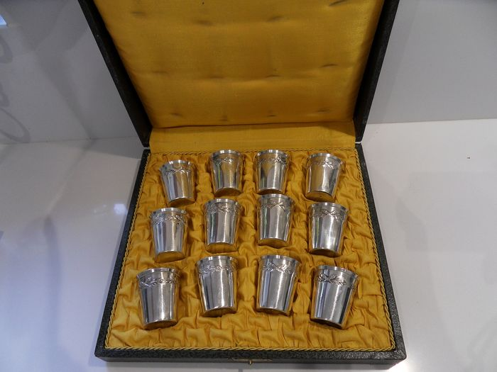 Sterling silver tumbler (12) - .950 silver - Auguste Flirlois - France - mid 19th century